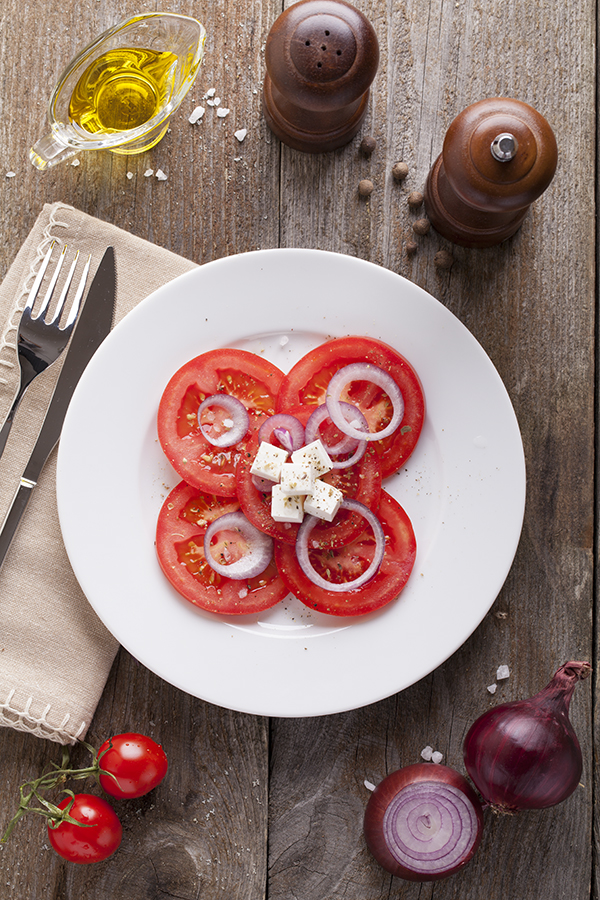 Salad with tomatoes, onions and feta cheese